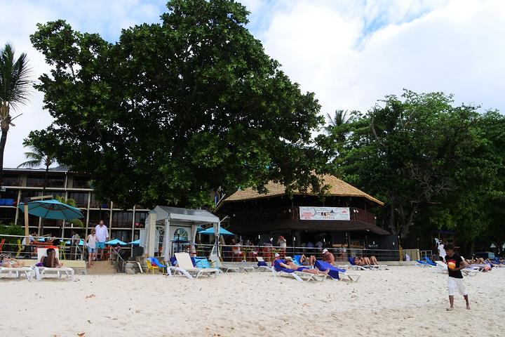 酒店外的海滩小路_马埃岛珊瑚海岸智选酒店(coral strand smart choic