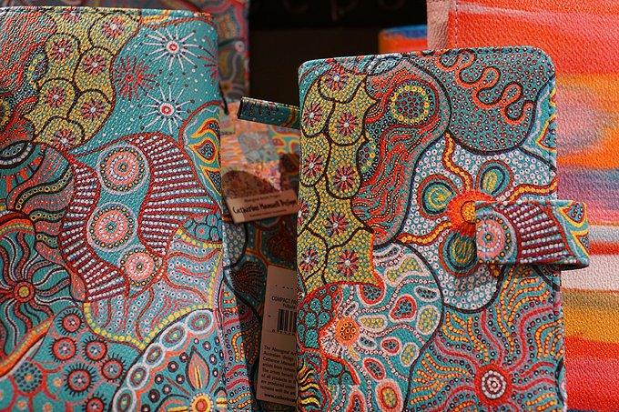 土著花纹商品图片
