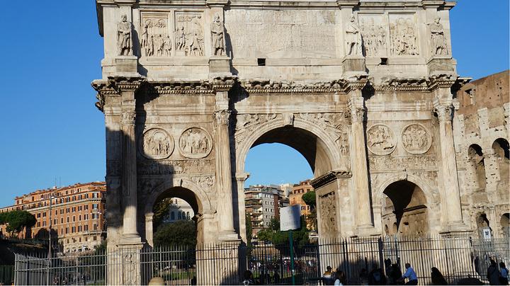到罗马一定必去的标志性建筑--君士坦丁凯旋门