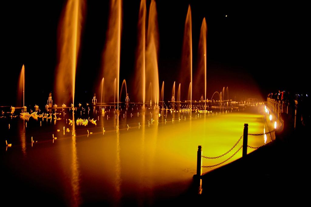 水墨古代喷泉素材