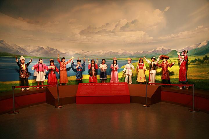 新疆博物馆的镇馆之宝是干尸千年,特别是被称画美女衣服从身上图片