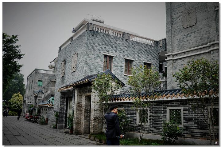 这布置26个展板,古港的辉煌和古村的遗韵尽归于此】.公园还是豪宅?