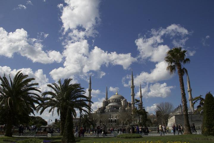 """""""蓝色清真寺嘛,最著名就是蓝色六柱和圆顶_苏丹艾哈迈德清真寺""""的评论图片"""