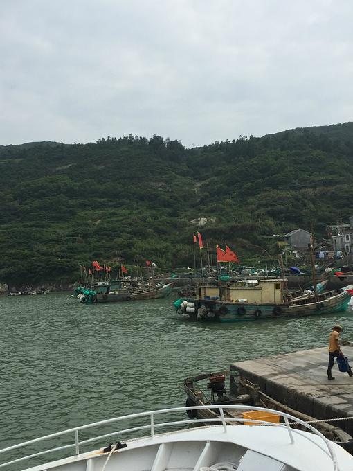 温州旅游攻略 最美的遇见--南麂岛  快艇刚开出来不久,海的水还是黄色