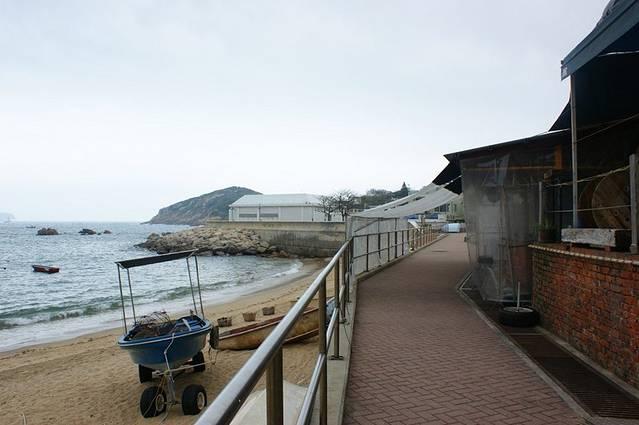 石澳是香港岛南岸的半岛,面向南中国海.