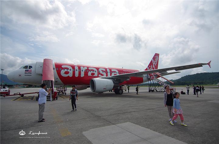 """""""飞机降落在兰卡威国际机场"""