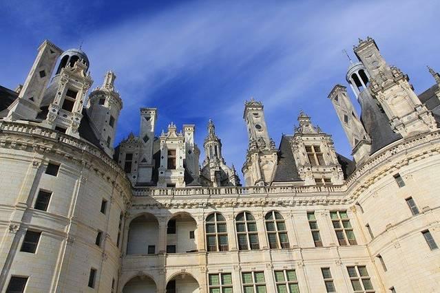 古典欧式城堡建筑屋顶