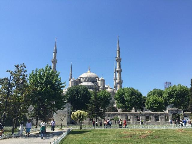 """""""圣索菲亚教堂对面就是蓝色清真寺,碰巧广场..._苏丹艾哈迈德清真寺""""的评论图片"""