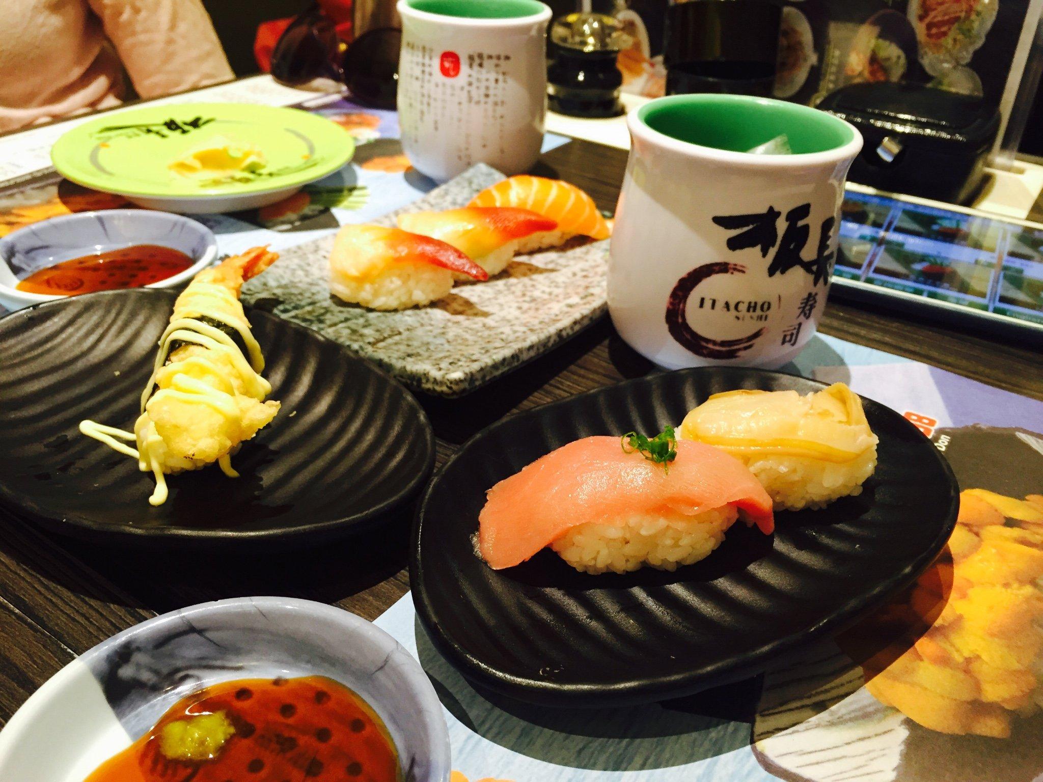 走街串巷,香港美食总需要等待和寻找