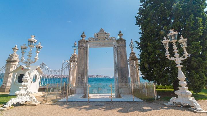 """""""中午吃完饭接着去往海边的新皇宫。_多尔马巴赫切宫""""的评论图片"""
