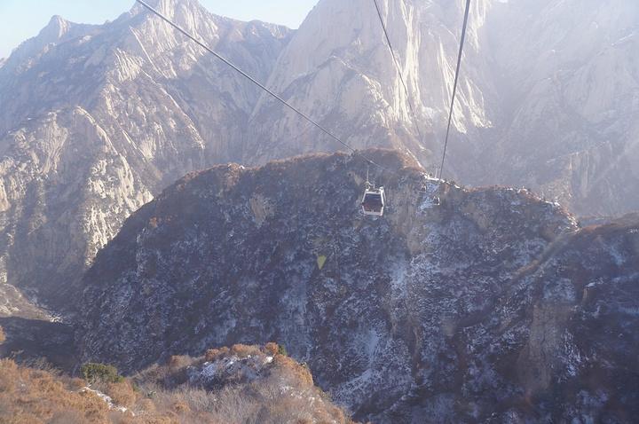 2017搭缆车西上北下,是游华山的经典线路_西旅游英语作文攻略图片