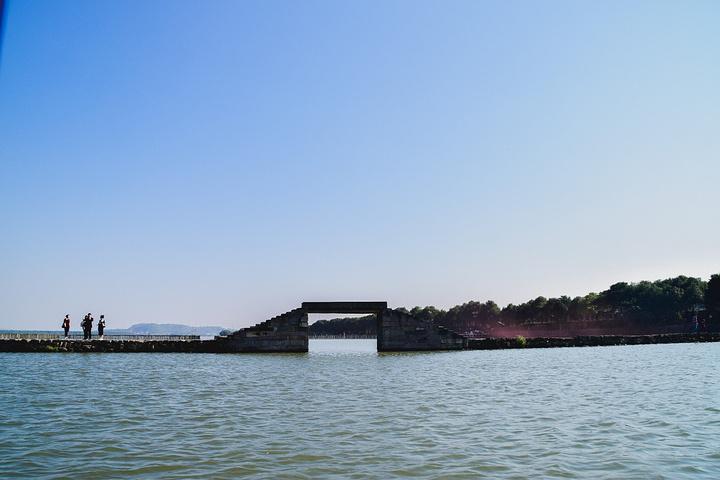 西湖断桥由来_西湖断桥路_西湖断桥美景