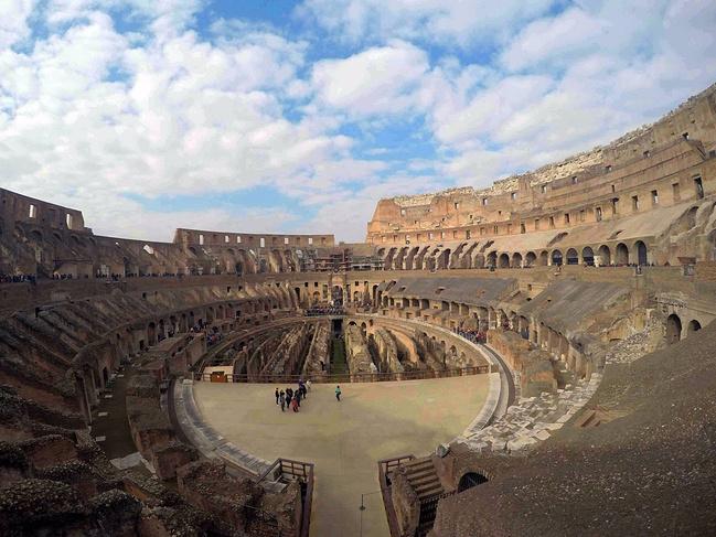 带着老妈游欧洲(巴塞罗那-罗马-威尼斯-因特拉世上最坑爹的游戏攻略7图片