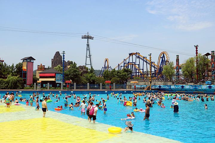 浪浪浪水公園設有大型兒童嬉水區,沖浪池,極速滑道,超級大喇叭,迷旋