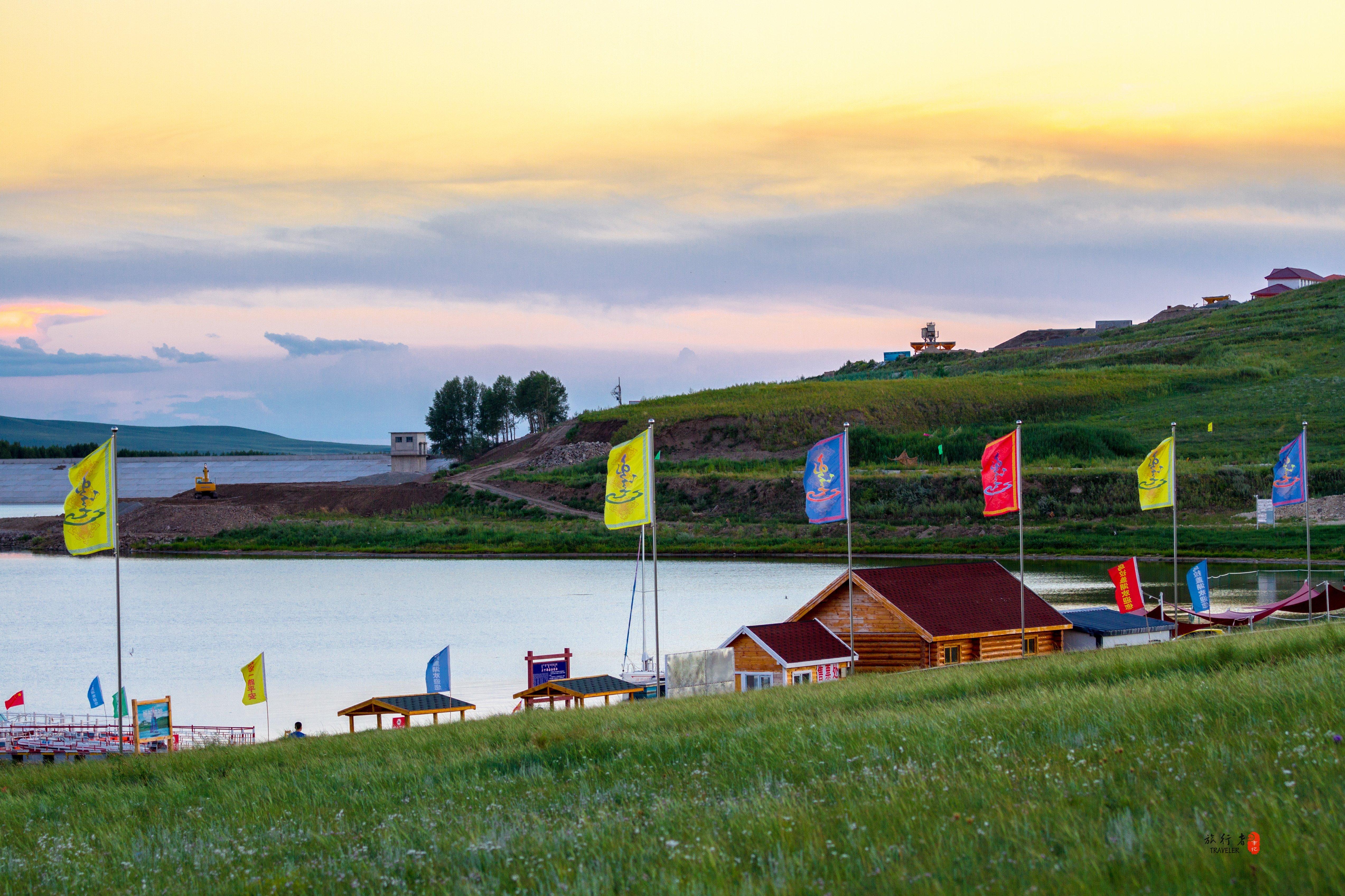 位于著名的乌珠穆沁草原中心,是北方几万平方公里干旱草原和乌拉盖
