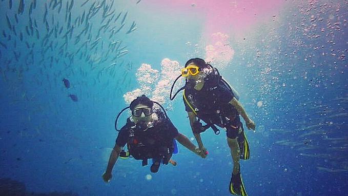 潜水人物极简简笔画