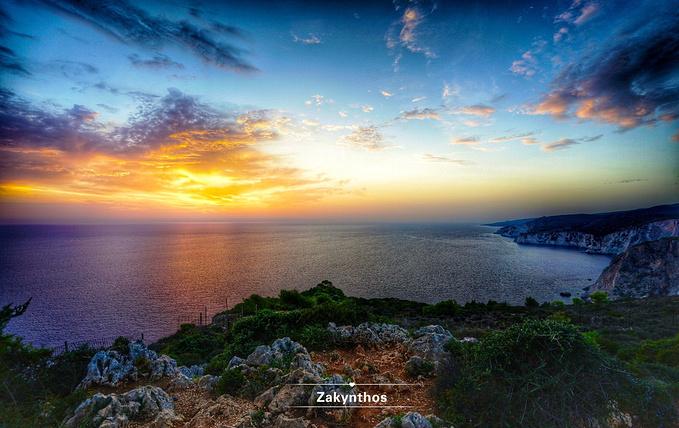 圣托里尼旅游攻略 沉迷于爱琴海-那片令人魂牵梦萦的蓝  用画笔在海