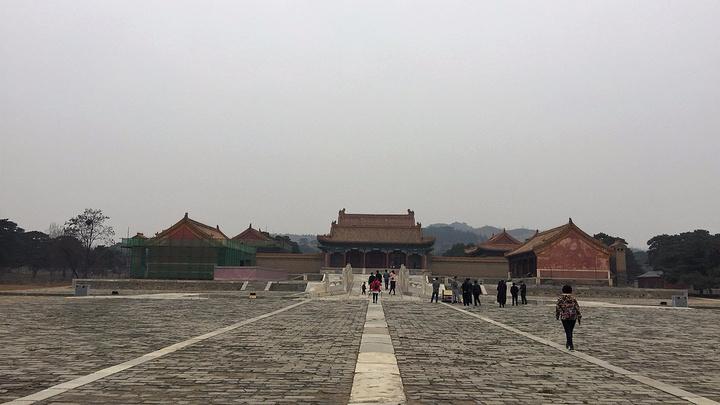 清宣宗慕陵位于清西陵的昌陵西15公里处的龙泉峪.