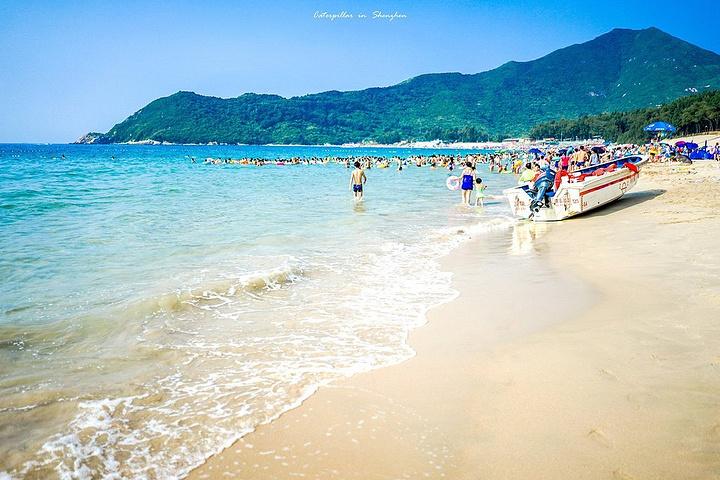 可谓之人间之天堂,有深圳世外桃源的美称,岛上有长达10里银色海滩