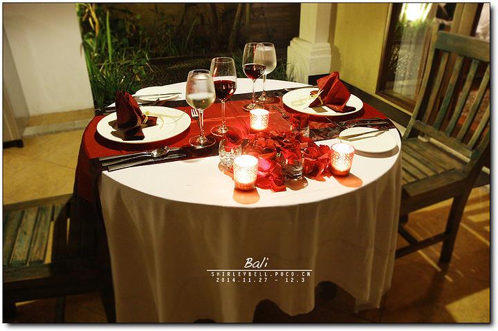 叶子别墅酒店烛光晚餐订的八点的烛光晚餐.