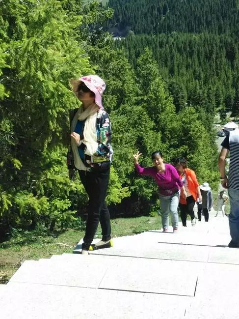 乌苏佛山森林公园 简称:待普僧