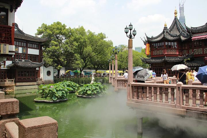 2019豫园的风景还不错.建筑风格很有中国寺庙的感觉