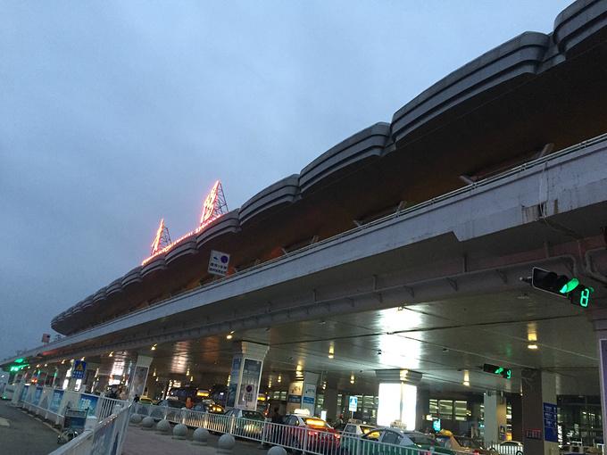 贵阳龙洞堡高铁站图片图片