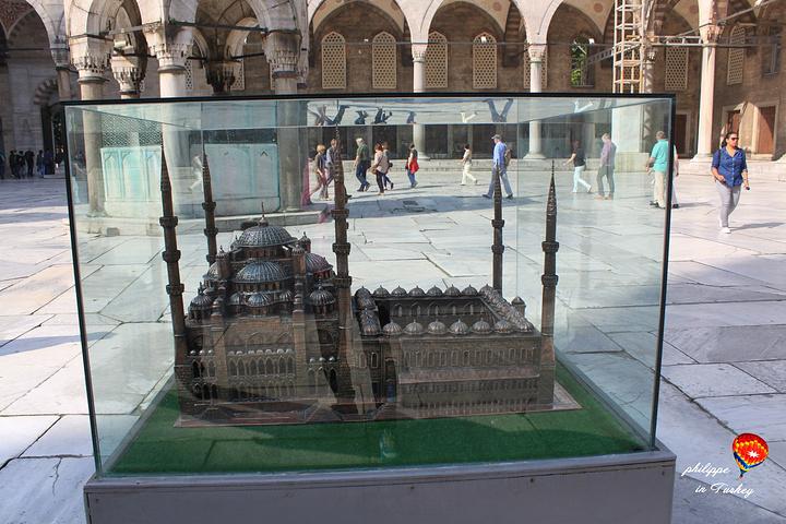 """""""建造过程中没有使用一根钉子,历经数次地震却从未坍塌_苏丹艾哈迈德清真寺""""的评论图片"""