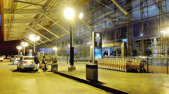 2016晚上11点多回广州的飞机.晚上白云机场