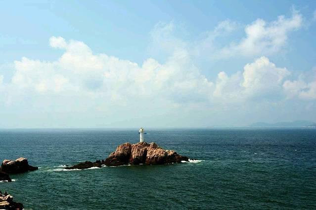 附图送上海岛,灯塔,风车,黎明之前的夜空,海上初生的太阳,亲手抓的小