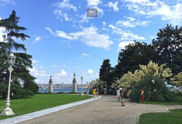"""""""多尔玛巴赫切宫建于19世纪中叶,因与建于..._多尔马巴赫切宫""""的评论图片"""