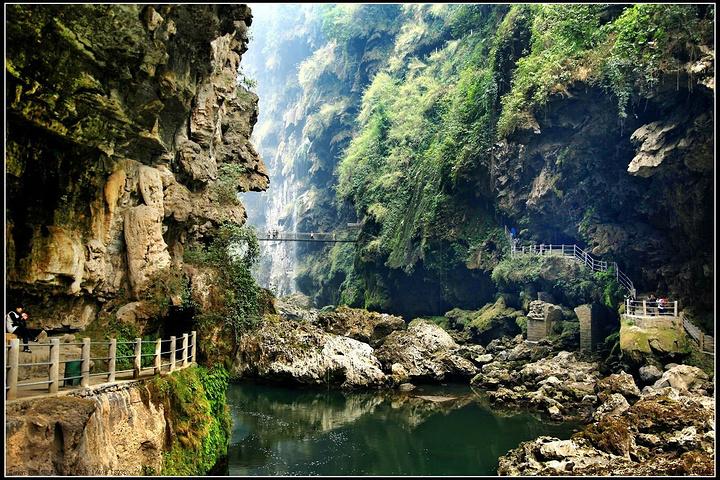 """马岭河峡谷风景区位于兴义市城东北6公里,被称为""""云贵奇缝,天下奇景"""""""