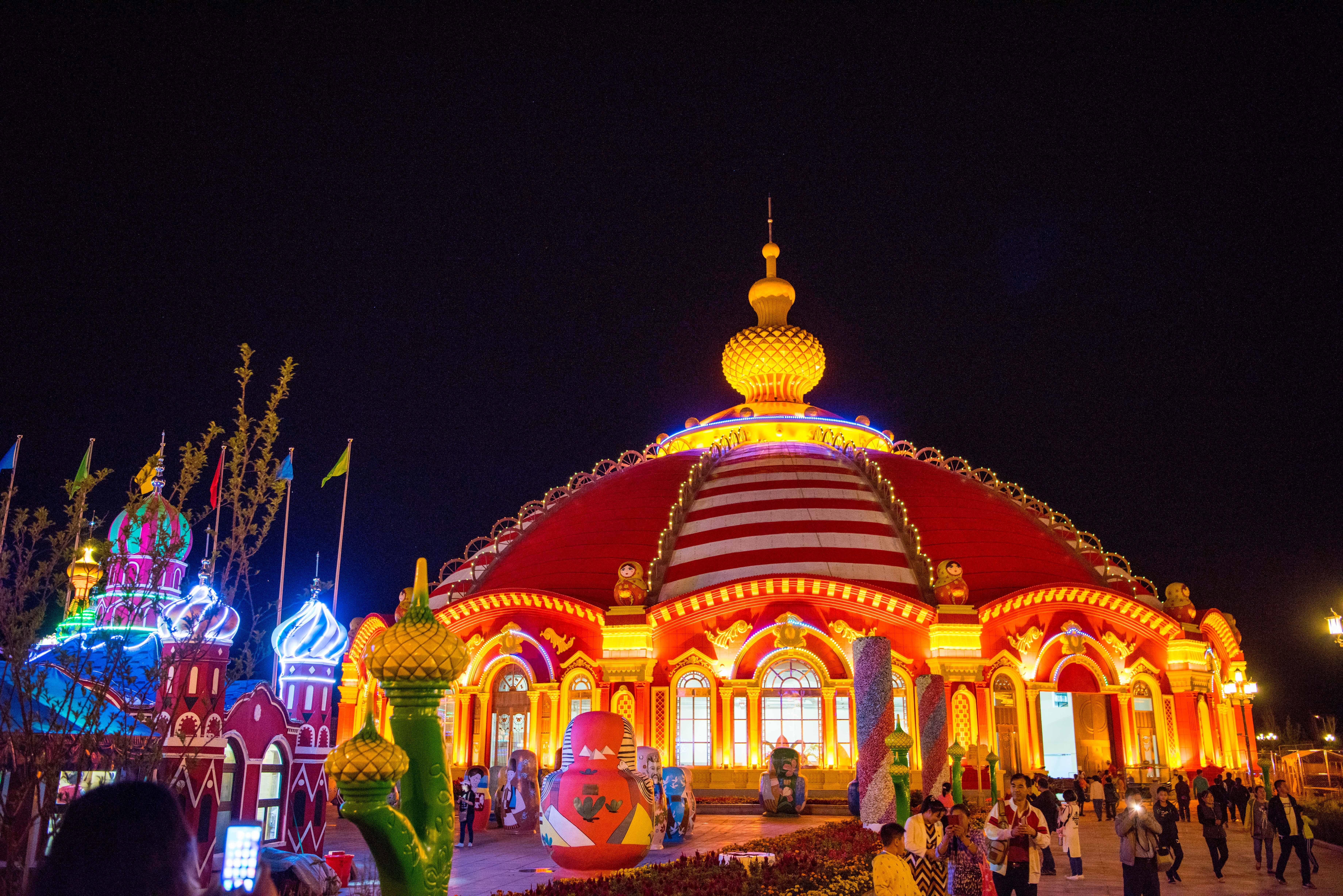 套娃广场是满洲里市的标志性旅游景点,也是全国唯一以俄罗斯传统工艺