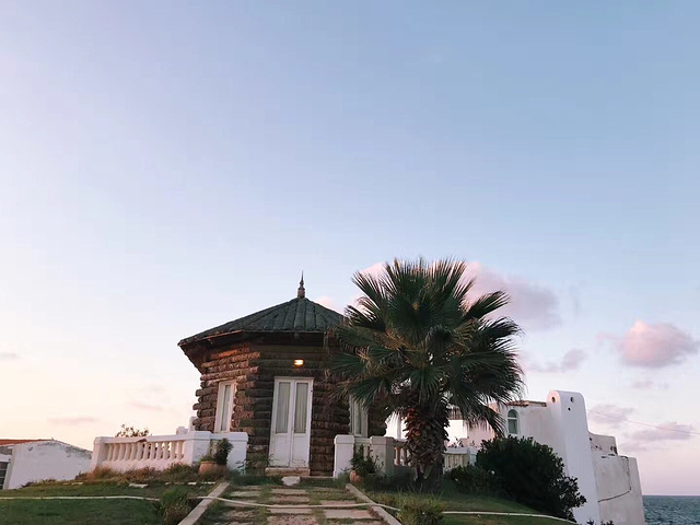 第三天 坐小去了 蒙塔扎宫 沿路的风景 都很美 这座城市 走进了我心里