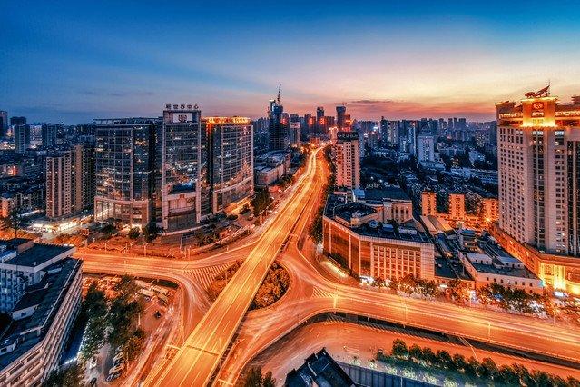 屠夫城,一栋塔,一条街,军团桥武汉一座一日游经典攻略一方攻略图片