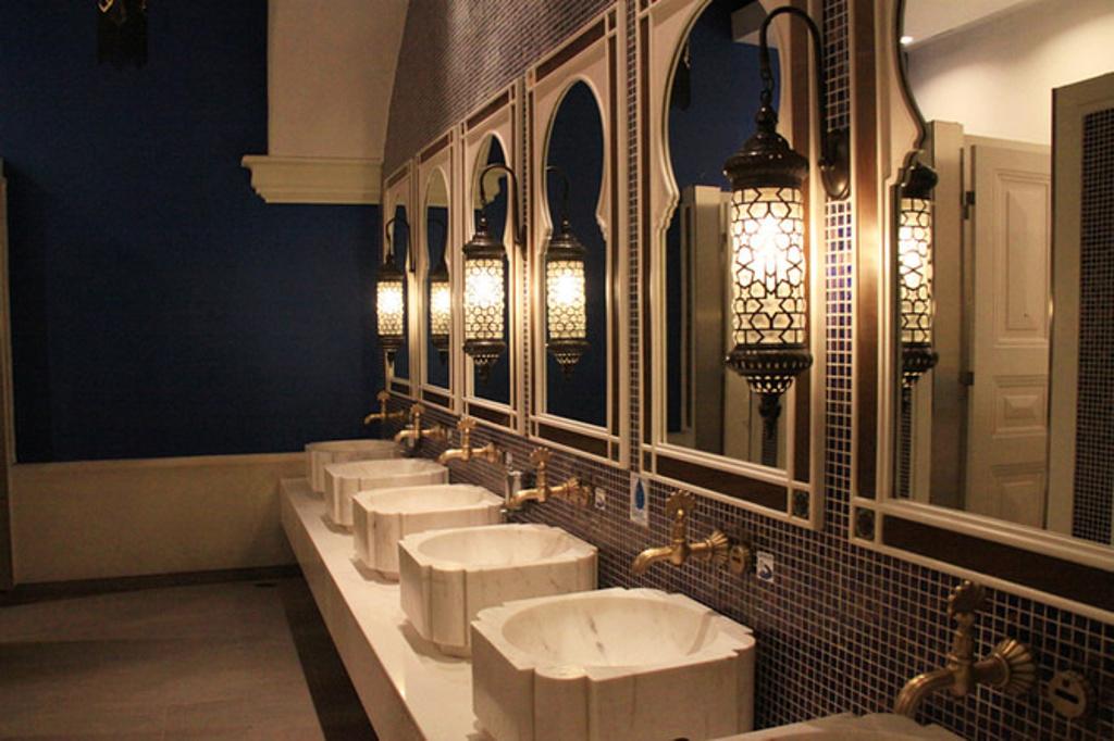 伊斯坦布尔层的卫生间图片