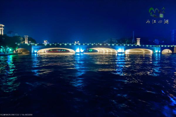 桥廊为欧式风格.