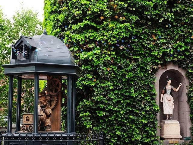 欧式风格少女卧室壁纸绿色和白色图片