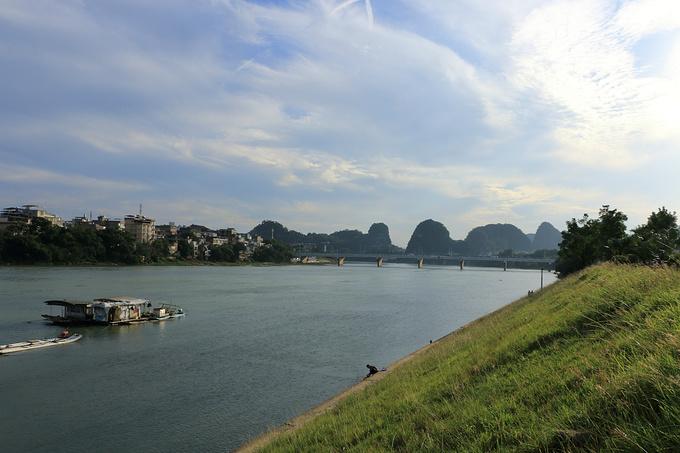 摄于虞山桥附近的江堤,这里不是旅游景点,是最平凡的漓江