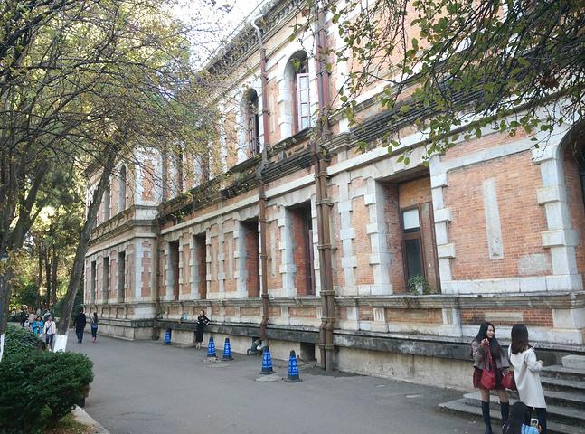 欧式风格的东方校园