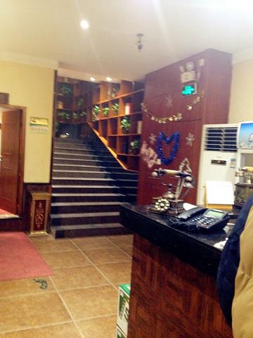上二层楼梯,楼道装修的很有文艺范