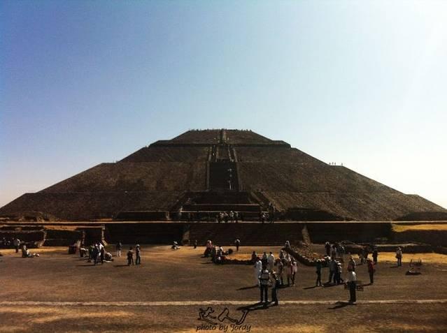 26太阳金字塔——世界第三大金字塔.
