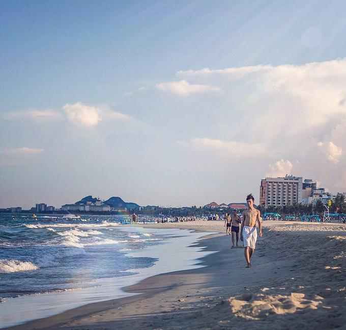 沙滩人物自拍素材