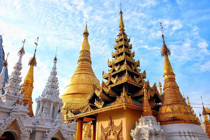 仰光大金塔是缅甸历史最悠久最宏伟壮观的佛塔,是仰光的标志性建筑.