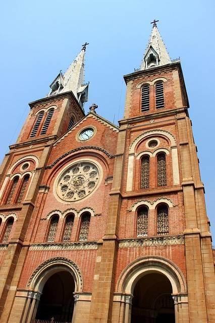 由于这栋建筑也具有欧式建筑特色