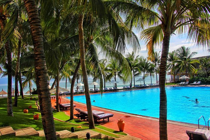 """""""这里拥有东南亚最大的游泳池_芽庄湾珍珠岛高级度假酒店(vinpearl"""