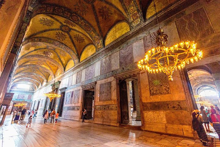 """""""...40里拉 新皇宫是唯一可以用..._圣索非亚大教堂""""的评论图片"""