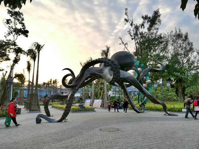 鼓浪屿海底世界门前的巨型章鱼