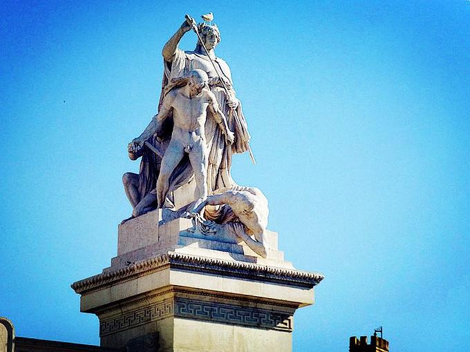 罗马的雕塑图片