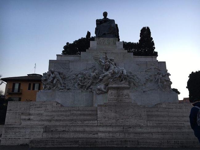 带着攻略游欧洲(巴塞罗那-罗马-威尼斯-因特拉老妈父子越狱3图片